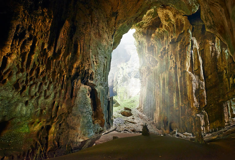 Één van de mooiste holen van Borneo Gomantong.Malaysia royalty-vrije stock afbeelding
