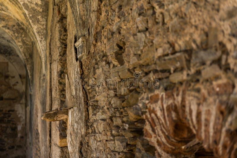 Één van de muren van het klooster van het verlaten klooster van San Antonio de Padua, Garrovillas DE Alconetar stock afbeelding