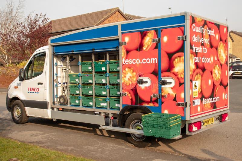 één van de nieuwe vloot van Tesco-leveringsbestelwagens in Beverley stock foto