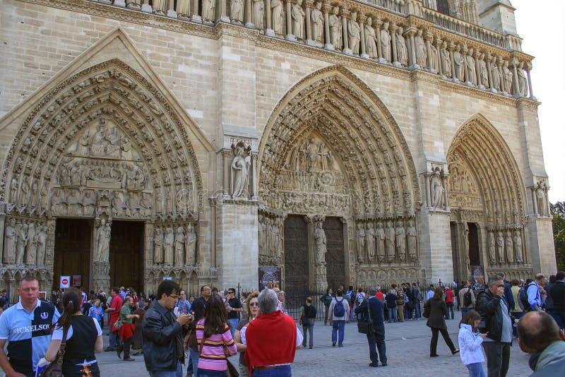 Één van de voorgevel van Notre-Dame de Parisreis rond Frankrijk Sightseeing van Parijs royalty-vrije stock afbeeldingen