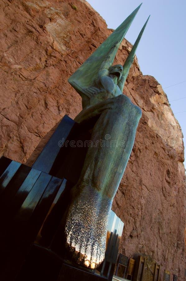 Één van twee bronst Gevleugelde Cijfers van de standbeelden van de Republiek versiert de Hoover-Dam royalty-vrije stock foto