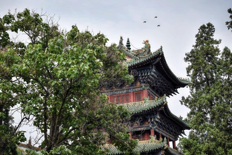 Één van watchtowers in Shaolin-klooster in Henan-provincie in China stock afbeeldingen