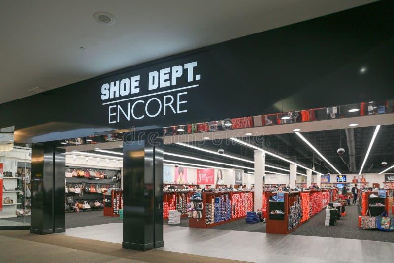 鞋子DEPT 再来一次店面 免版税库存图片