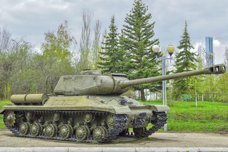 重的坦克IS-2 1944发行,在使用中与苏联军队的队伍的 免版税库存照片