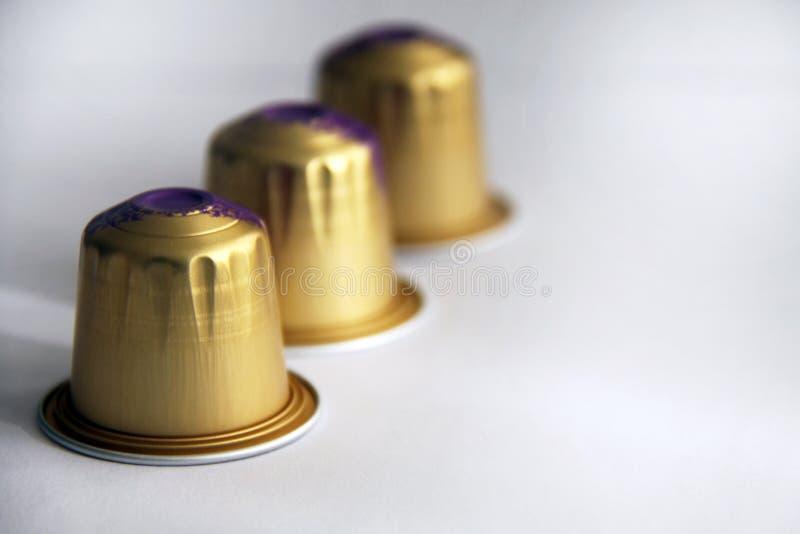 金黄咖啡压缩选择聚焦特写镜头 免版税库存照片