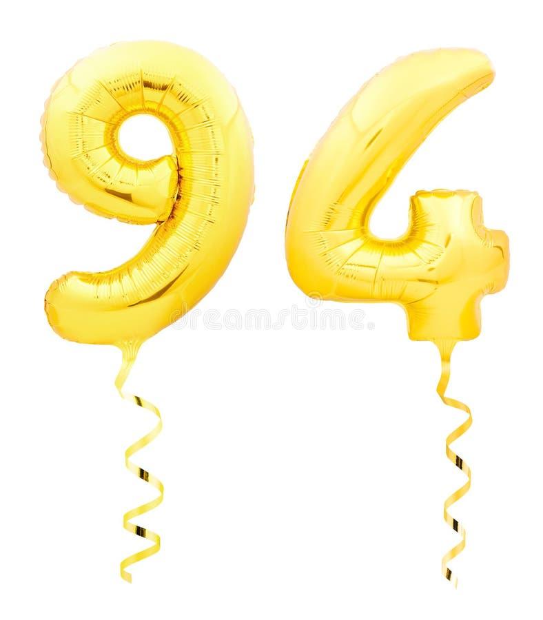 金黄第九十四94由有丝带的可膨胀的气球制成在白色 皇族释放例证