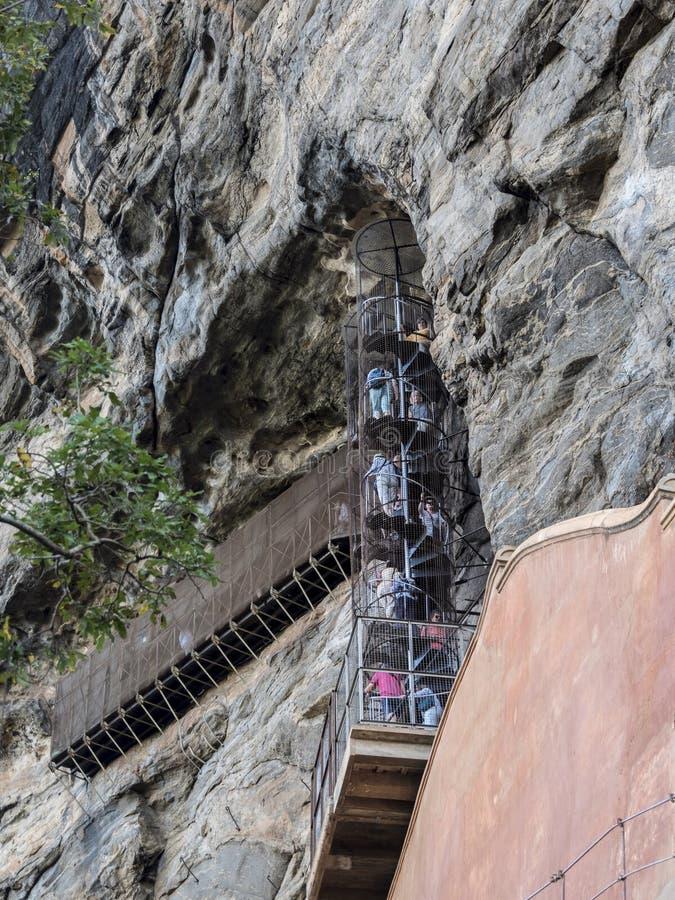 锡吉里耶岩石螺旋形楼梯 免版税图库摄影