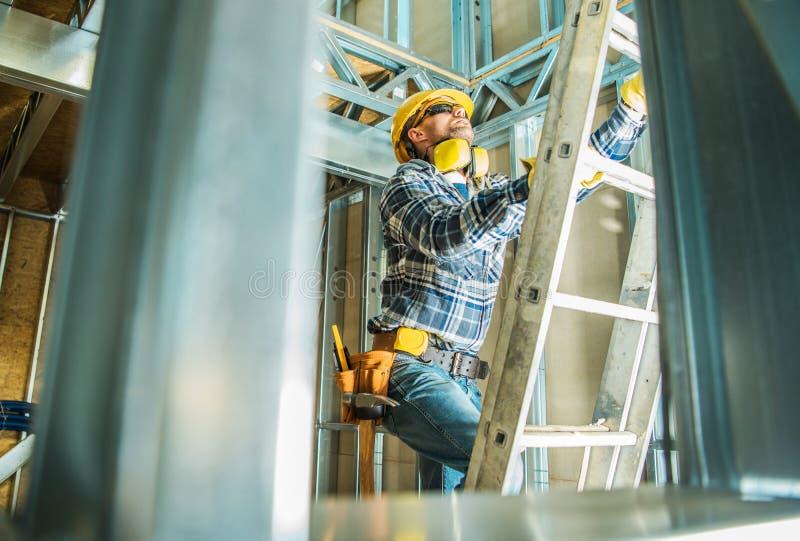 钢楼房建筑工作 库存图片