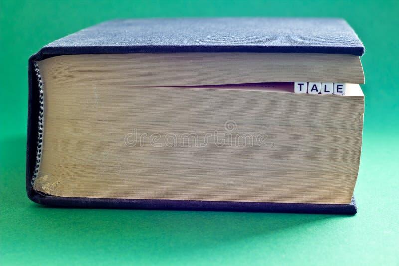 É livro com conto da palavra fotos de stock royalty free
