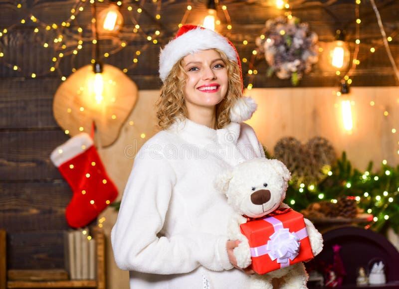 É para mim feliz ano novo entrega de natal presente vendas de natal Boxing Day garota com caixa de presentes de Natal Cyber fotos de stock