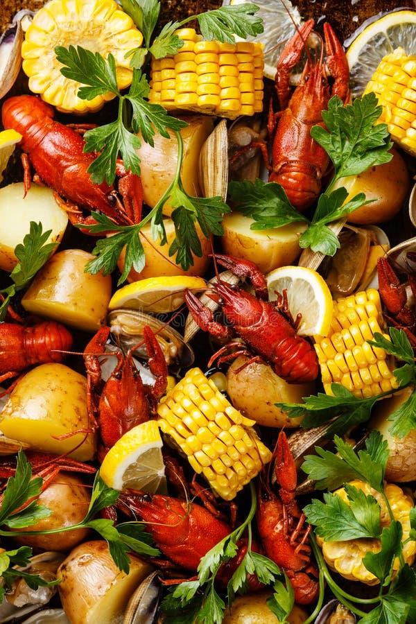 Ébullition de fruits de mer de grande fête photographie stock libre de droits