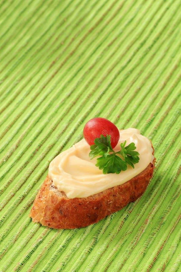 Écart de pain et de fromage photos stock