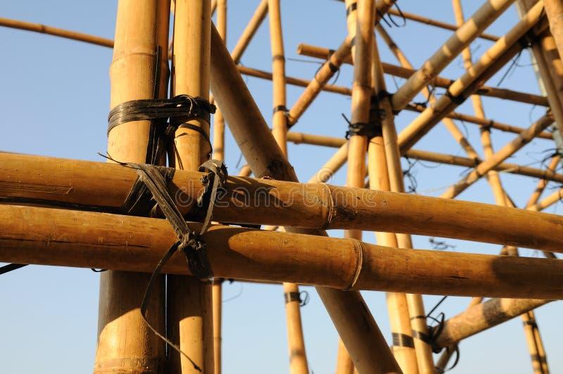 échafaudage en bambou photos stock