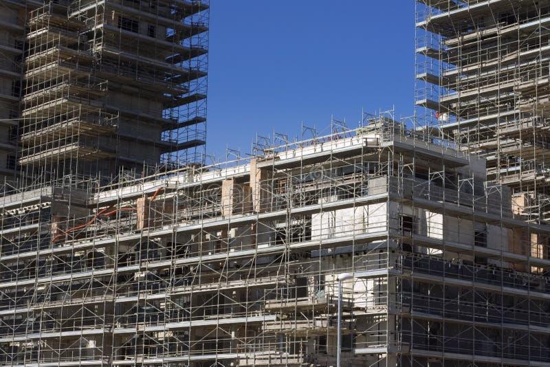 Échafaudage sur un chantier de construction image libre de droits