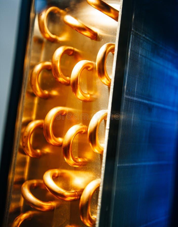 Échangeur de chaleur de climatiseur de détail d'unité de condensateur photo stock