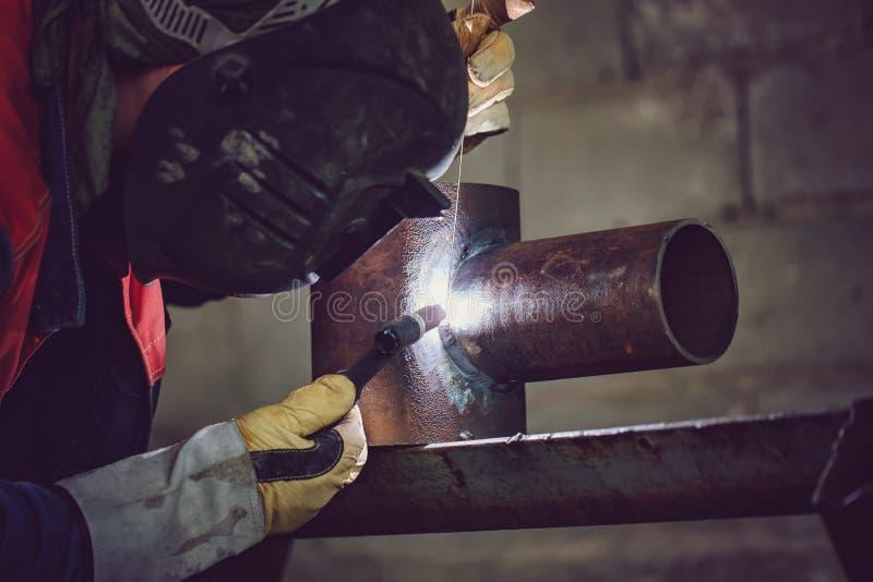 Échantillon témoin de soudure à l'arc électrique d'argon des tuyaux d'acier au carbone photo stock