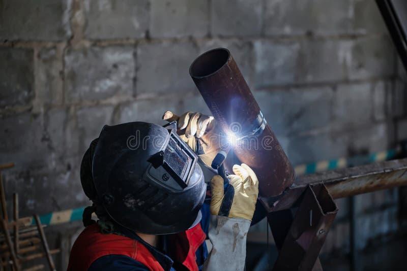 Échantillon témoin de soudure à l'arc électrique d'argon des tuyaux d'acier au carbone photos libres de droits