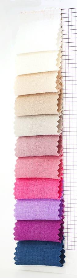 Échantillons de couleur dans le tissu image stock