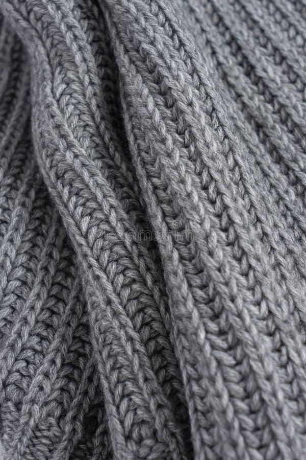 Écharpe tricotée de laine grise Texture de vue de plan rapproché photos libres de droits