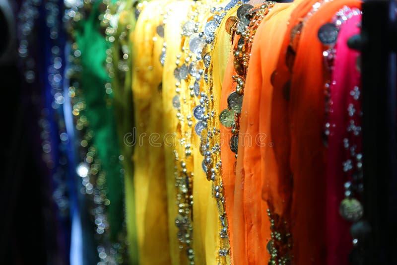Écharpes colorées pour la danse du ventre image libre de droits
