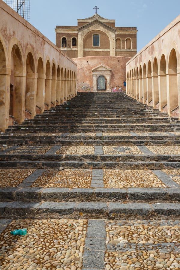 Échelle monumentale dans Paterno, île de la Sicile photos stock