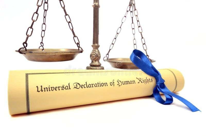 Échelles de justice et de la déclaration universelle des droits de l'homme photographie stock