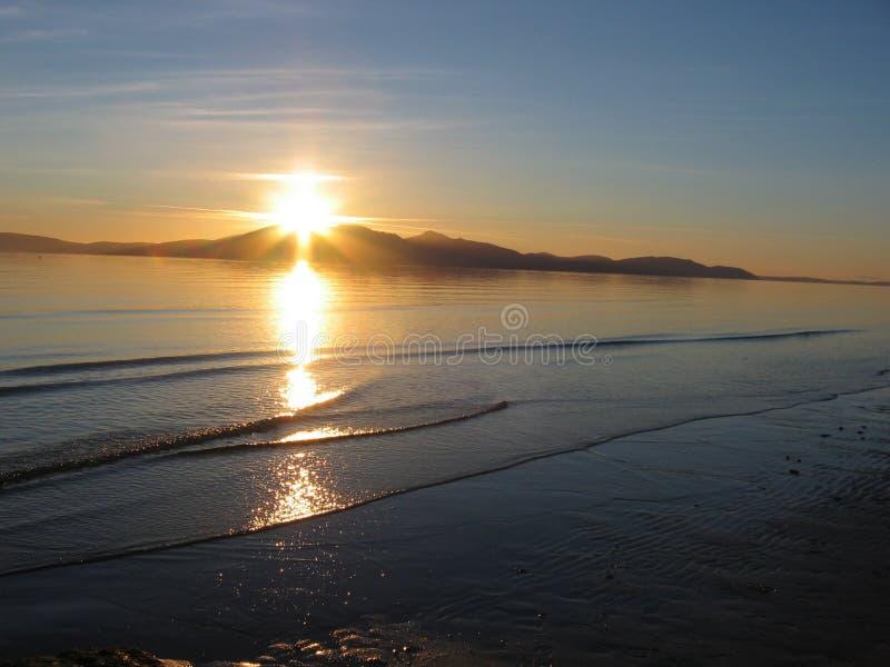 Échouez l'île de coucher du soleil @ d'Arran, Ecosse photo libre de droits