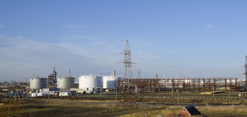 Échouez l'acier vertical Capacités pour le stockage de pétrole, d'essence, de kérosène, de diesel et d'autres liquides image libre de droits