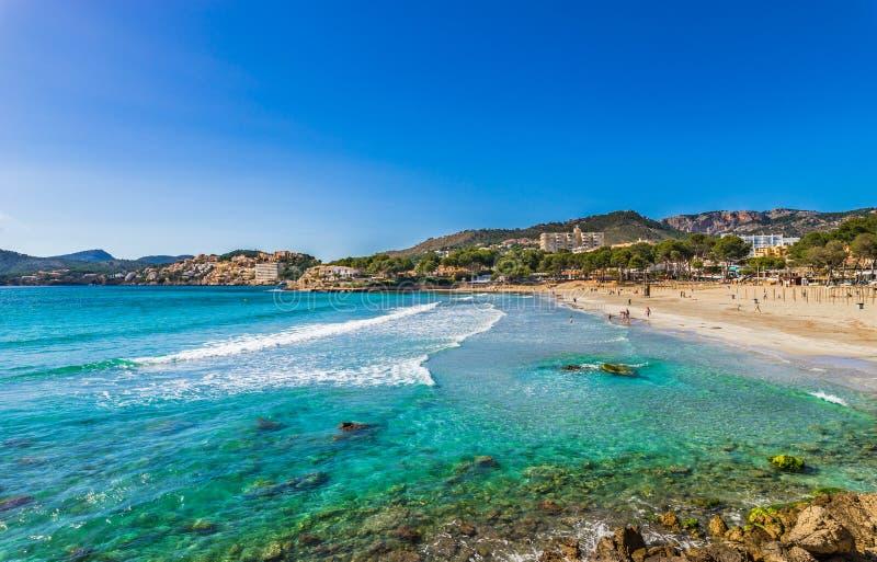 Échouez les vacances au bord de la mer de Paguera sur Majorca, Espagne Îles Baléares photos libres de droits