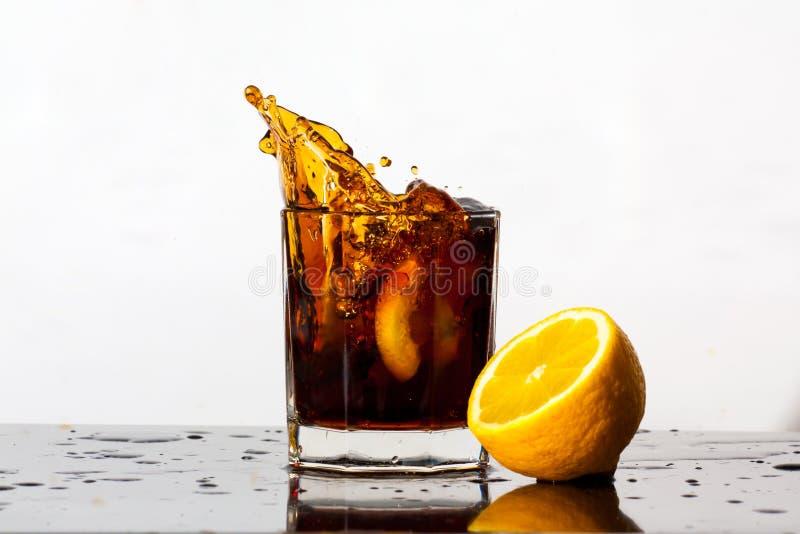 Éclaboussement de la boisson photographie stock libre de droits