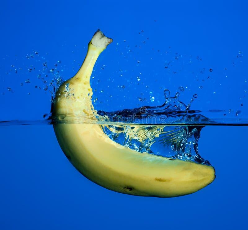 Éclaboussure de banane. photo stock