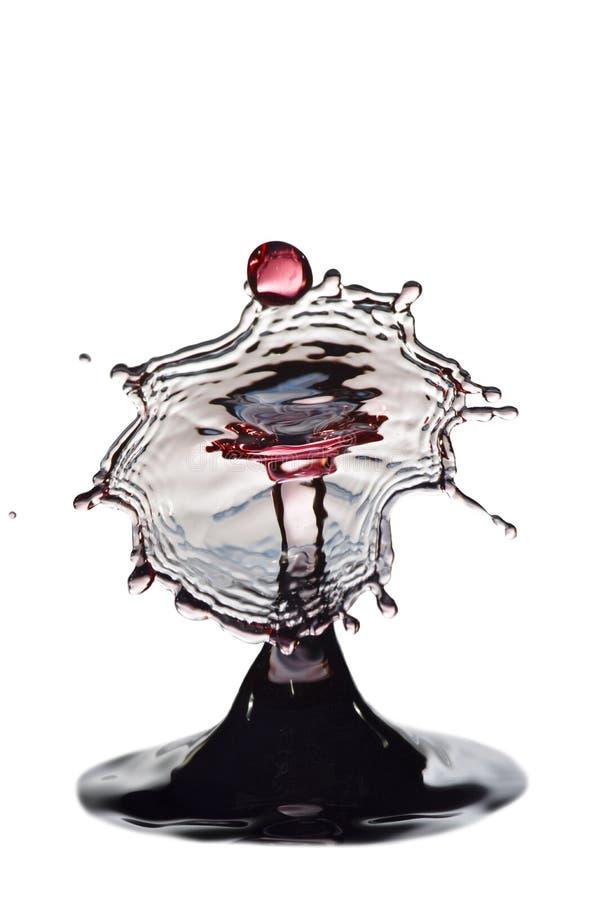 Éclaboussure des baisses de l'eau image stock