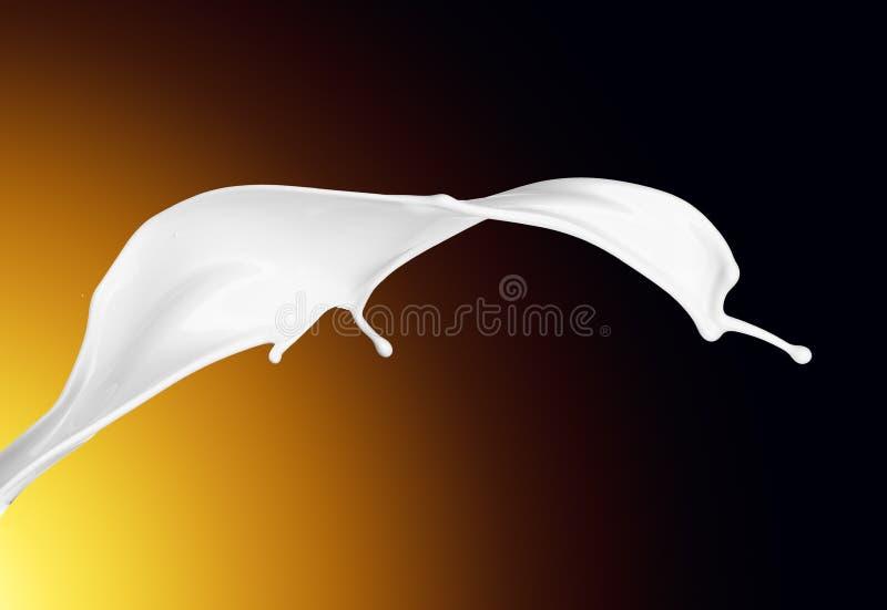 Éclaboussure du gros lait blanc comme élément de conception photos libres de droits