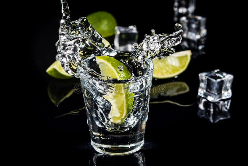 Éclaboussure mexicaine de tequila photo stock