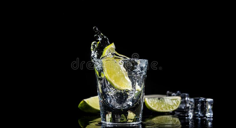 Éclaboussure mexicaine de tequila photos libres de droits