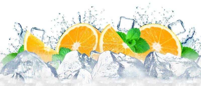 Éclaboussure orange de l'eau photographie stock