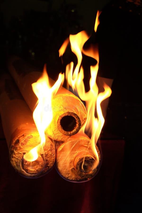 éclair brûlant d'encens photos libres de droits