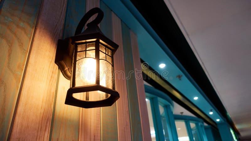 Éclairage à la maison d'intérieur léger de lampe de mur de vintage images stock