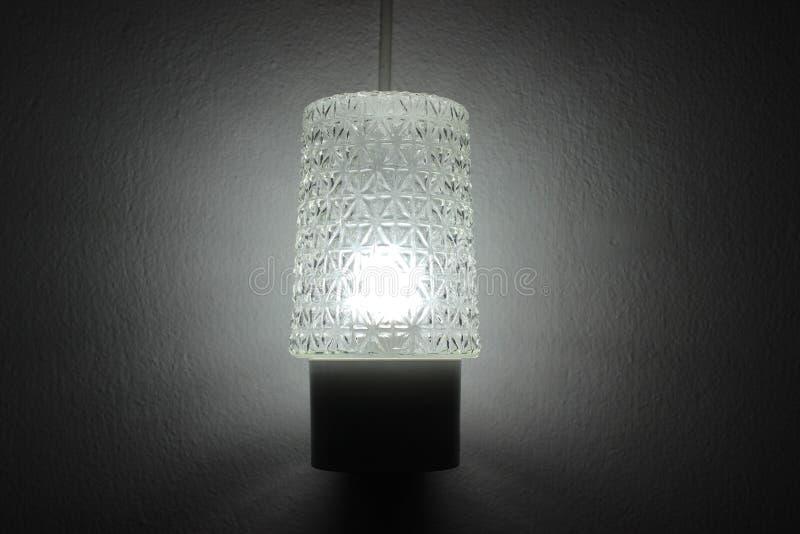 Éclairage de lampe dans la chambre photographie stock libre de droits