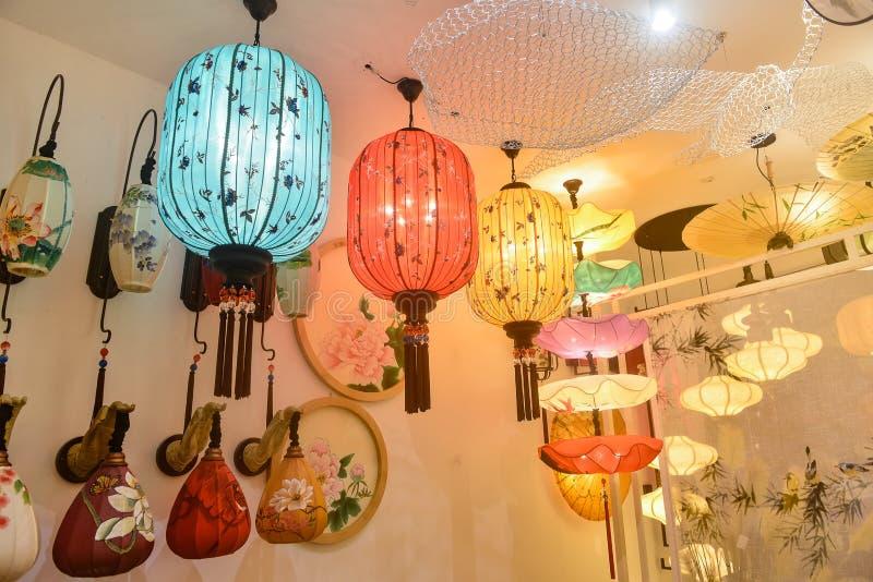 Éclairage de plafond de lustre de style chinois photographie stock libre de droits