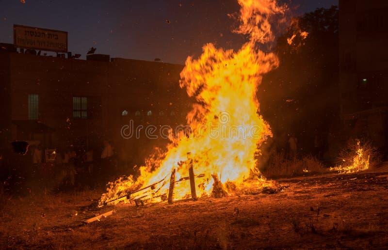 Éclairage des feux aux vacances juives du retard Baomer photographie stock