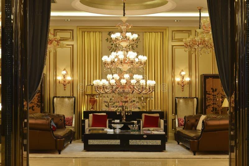 Éclairage en cristal de luxe de lustre images stock