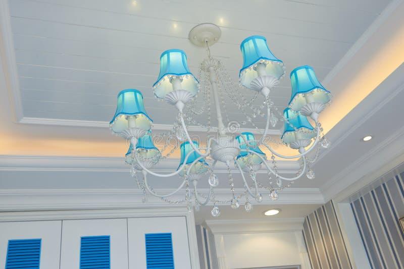 Éclairage en suspens de luxe classique image stock