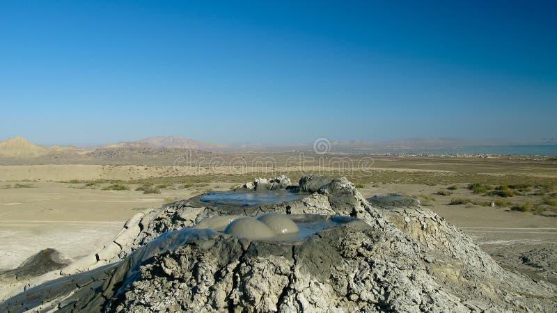 Éclatement des volcans de boue de bulle, qobustan, Azerbaïdjan photos stock