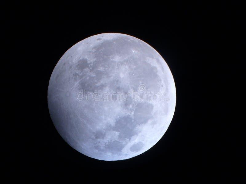 Éclipse lunaire partielle images stock
