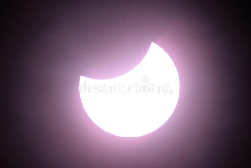 Éclipse solaire partielle le 20 mars 2015 image libre de droits