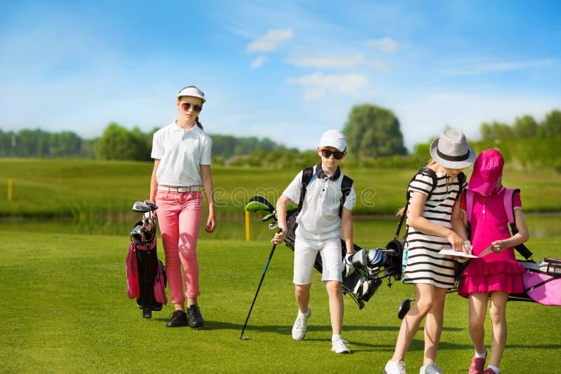 École de golf d'enfants images stock