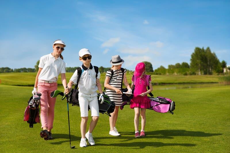 École de golf d'enfants photo stock