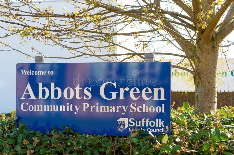 École primaire verte d'abbés, St Edmunds, Angleterre d'enfouissement image libre de droits