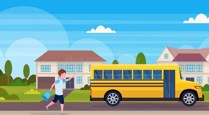 Écolier courant pour chasser le fond suburbain résidentiel de paysage de rue d'autobus scolaire d'élèves de concept jaune de  illustration libre de droits